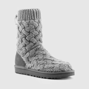 UGG ISLA Heathered Gray Sweeatr Knit Boot Size 6